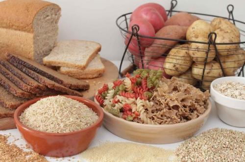 Углеводы: макароны, хлеб, картофель