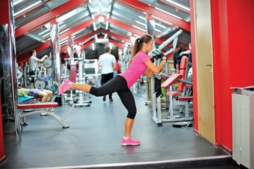 Тренировка в тренажерном зале