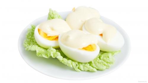 Яйца под майонезом